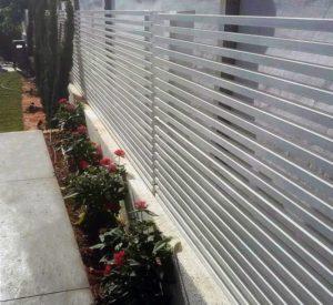איך לבנות גדר במציאות ולא במיינקראפט