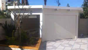 פרגולה לבנה מעץ