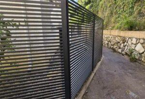 גדר-אלומיניום-דגם-270-עם-פסים-רחבים