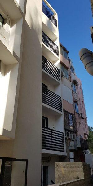 מסתורי כביסה בבניין בתל אביב